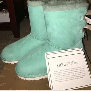 3671b1a3724 ISO tiffany blue uggs with beige bows